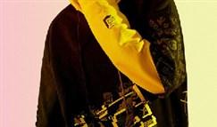 JKL小狗亲手设计帽衫 世界级ADC人均灵魂画师