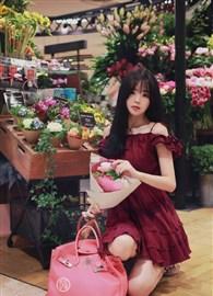 红色连衣裙清新,活力,少女风爆棚