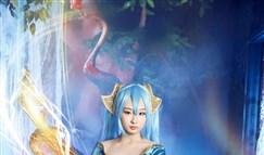 宛若画中仙子 女玩家尝试不同风格琴女COS